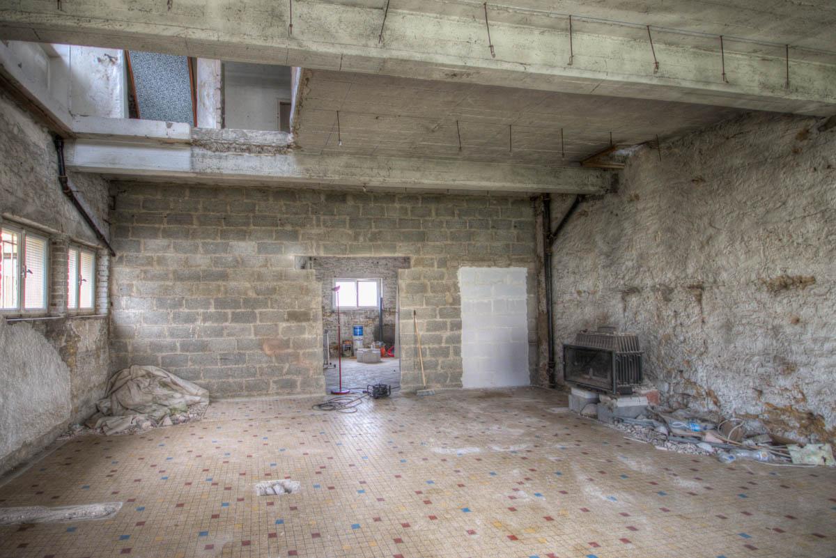 Spacieux appartement 2 chambres en cours de rénovation à Mondorff